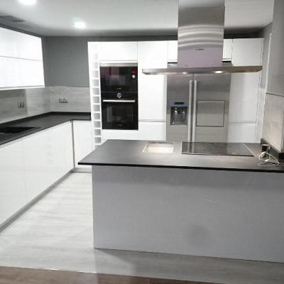 Cocina Montreal Lisa 22 mm blanco brillo